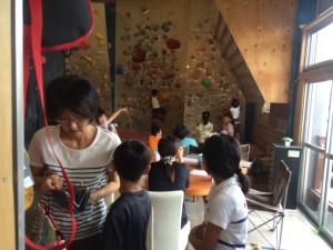20140827小学生のボルダリング体験
